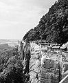 19870827140NR Königstein Festung Königstein Südmauer mit Wachturm.jpg