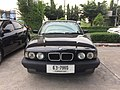 1994-1995 BMW 525i (E34) Sedan (01-11-2017) 06.jpg