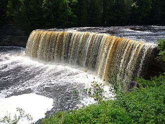 Blackwater river - Chocolate-colored Tahquamenon Falls