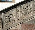 20090503030DR Oschatz Neumarkt Rathaustreppe.jpg