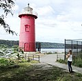 2016 Little Red Lighthouse tourist taking picture.jpg