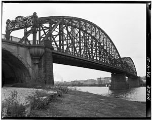 Manchester Bridge (Pittsburgh) - Image: 21. Charles W. Shane, Photographer, April 1970. VIEW FROM THE SOUTHEAST. HAER PA,2 PITBU,59 21