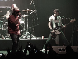 2 Minutos - At a concert in Chile,2011.