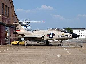 80265 Texans McDonnell F-101 Voodoo 02May2009.jpg