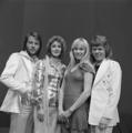 ABBA - TopPop 1974 6.png