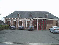 Acq (Pas-de-Calais, France) - Salle des Fêtes - avril 2005.jpg