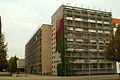 Ada-und-Theodor-Lessing-Volkshochschule VHS Hannover, Blick vom Friedrichswall über den Theodor-Lessing-Platz zur Städtischen Galerie KUBUS.jpg