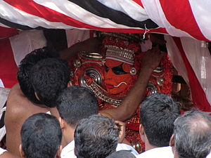 Kalarivathukkal Temple - Image: Adjusting the ornaments of Kalarivathukkal Bhagavathi