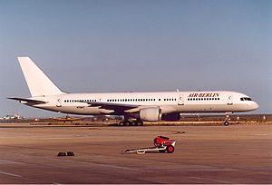 Air Berlin Boeing 757 Aragao.jpg