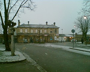 Aldershot railway station - Image: Aldershot railway station in the snow (large)