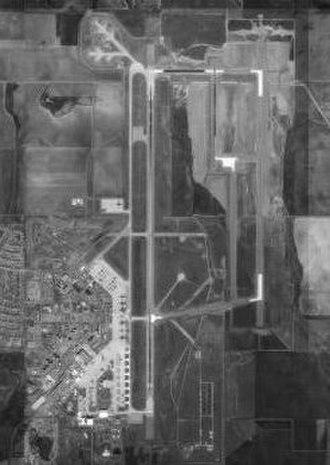 Altus Air Force Base - Image: Altusafb 17feb 1995