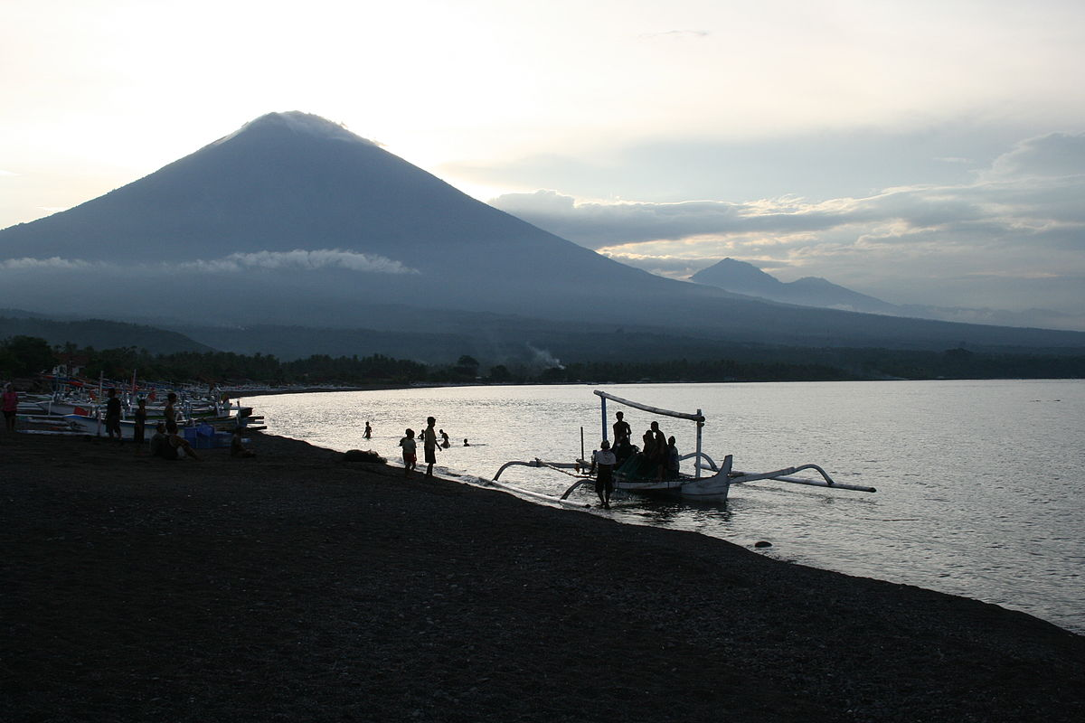 Amed Travel Guide At Wikivoyage