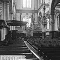 Amsterdam. Interieur van de Westerkerk met preekstoel met het kleine orgel, Bestanddeelnr 918-1336.jpg
