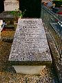 Ancienne tombe d'Alexandra Dumas à Villers Cotterets.jpg