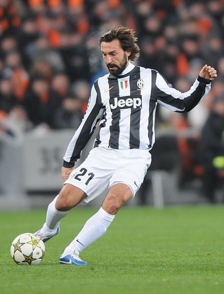 Italian deep-lying playmaker Andrea Pirlo executing a pass. Pirlo is often regarded as one of the best deep-lying playmakers of all time. Andrea Pirlo Juventus.jpg