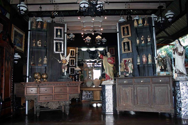 File:Antiques village.jpg