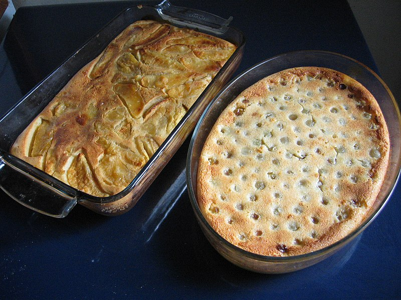 File:Apple and two-grape clafoutis cooling.jpg