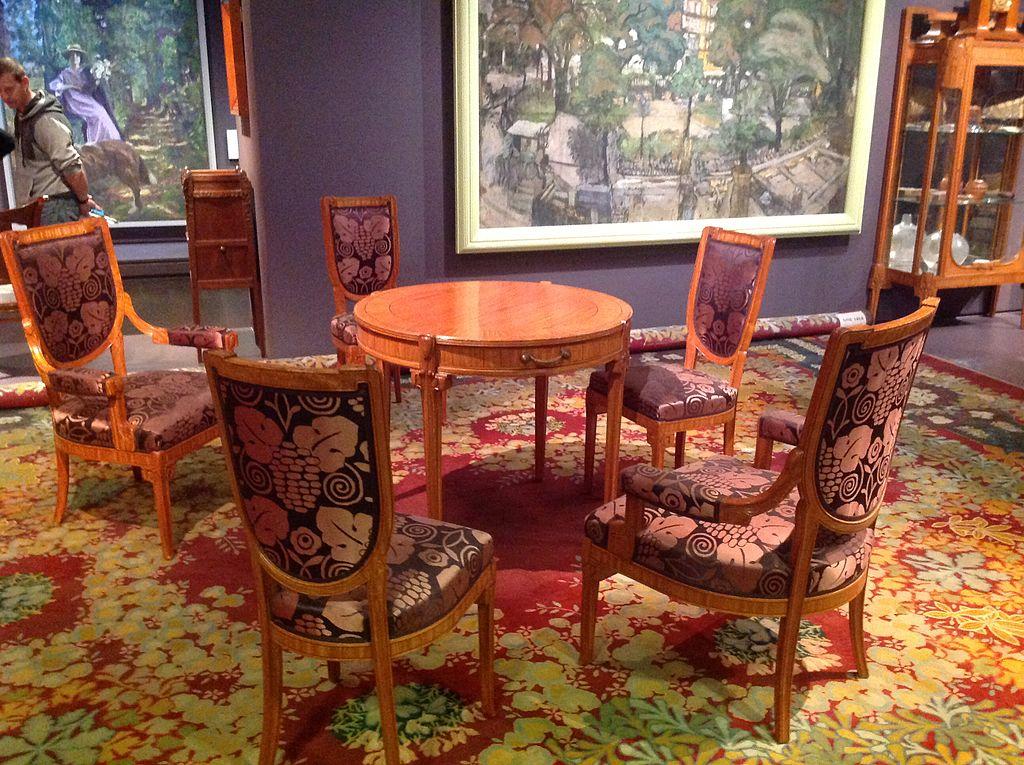 File Art Deco Table Chairs Carpet Jpg Wikipedia