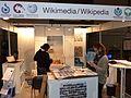 Aufbau Messestand Wikimedia Denkmalmesse Leipzig 2016 (06).jpg