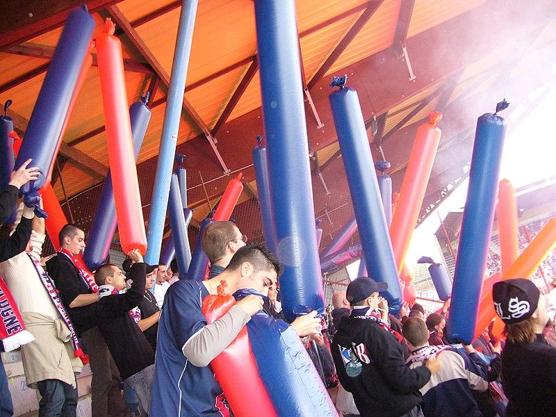 Supporters parisiens à Auxerre. AJ Auxerre - Paris Saint-Germain, 22 Oct 2006.