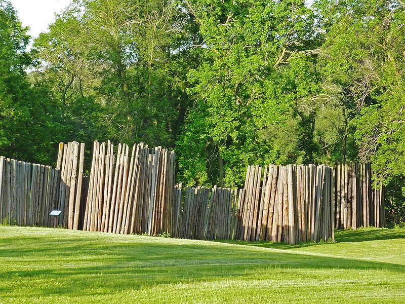 File:Aztalan State Park stockade.jpg