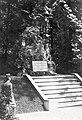 Bécsújhely, Alsó-Ausztria. A Mária Terézia Katonai Akadémia udvara a várban, Ferenc József emlékmű. Fortepan 60179.jpg