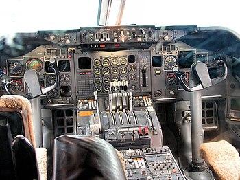 Il cockpit di un 747-200