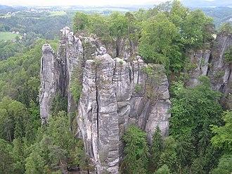 Скальный замок Нойратен