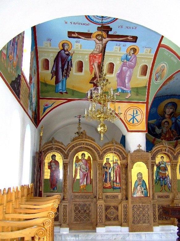 Beloiannisz church interior2