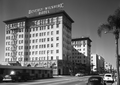 Beverly Wilshire Hotel, 1959.png