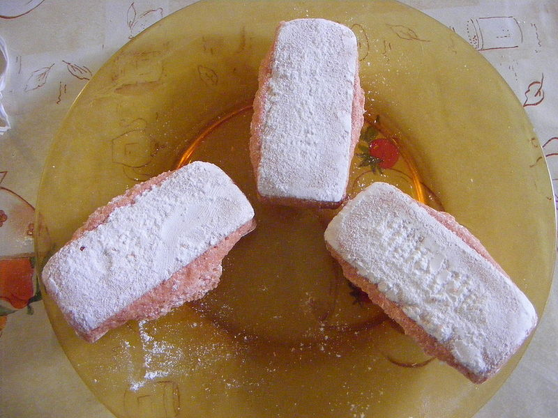 Fichier:Biscuit Rose de Reims.jpg