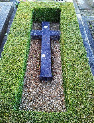 Lady Randolph Churchill - Jennie's grave at St Martin's Church, Bladon