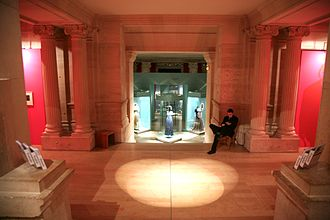 Bibliothèque-Musée de l'Opéra National de Paris - Entrance to an exhibition room