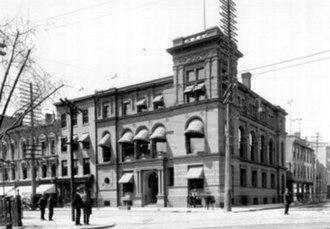 Bank of Hamilton - Image: Bnkpic