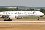 Boeing 777-312 ER Singapore Airlines Star Alliance 9V-SWJ (9380414367).jpg