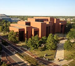 Bracken Library, Ball State University, 2014.JPG