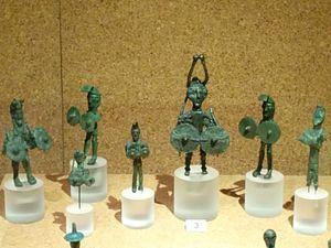 Nuragic bronze statuettes - Image: Bronzetti nuragici al museo Archeologico di Cagliari
