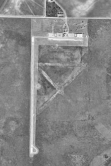 Bruce Field Airport-TX-30Jan1995-USGS.jpg