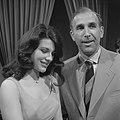 Bruce Low en Sylvia Sands (1961).jpg