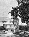 Brunnenskulptur 1909, Zürich am Mythenquai. Von Valentin Walter Mettler (1868–1942).jpg