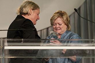 Black Tie Dinner - Elizabeth Birch presents her namesake award to Judy Shepard at the 2009 Black Tie Dinner.