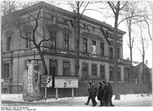 Bundesarchiv Bild 183-09248-0007, Langenweddingen, Blick auf das Kulturhaus.jpg