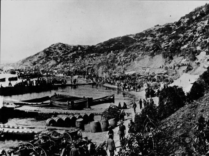 Bundesarchiv Bild 183-95000-347, Türkei, Anzac-Bucht, Truppenlandung