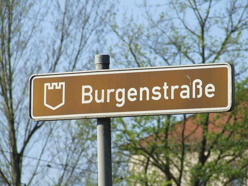 Archivo: Burgenstraße-Schild.jpg