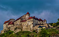 Burghausen, Kernburg der Burganlage (12928176955).jpg