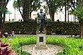 Busto de D. Pedro II no jardim do Museu Imperial.JPG