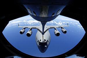 A McDonnell Douglas C-17 Globemaster III at Ai...