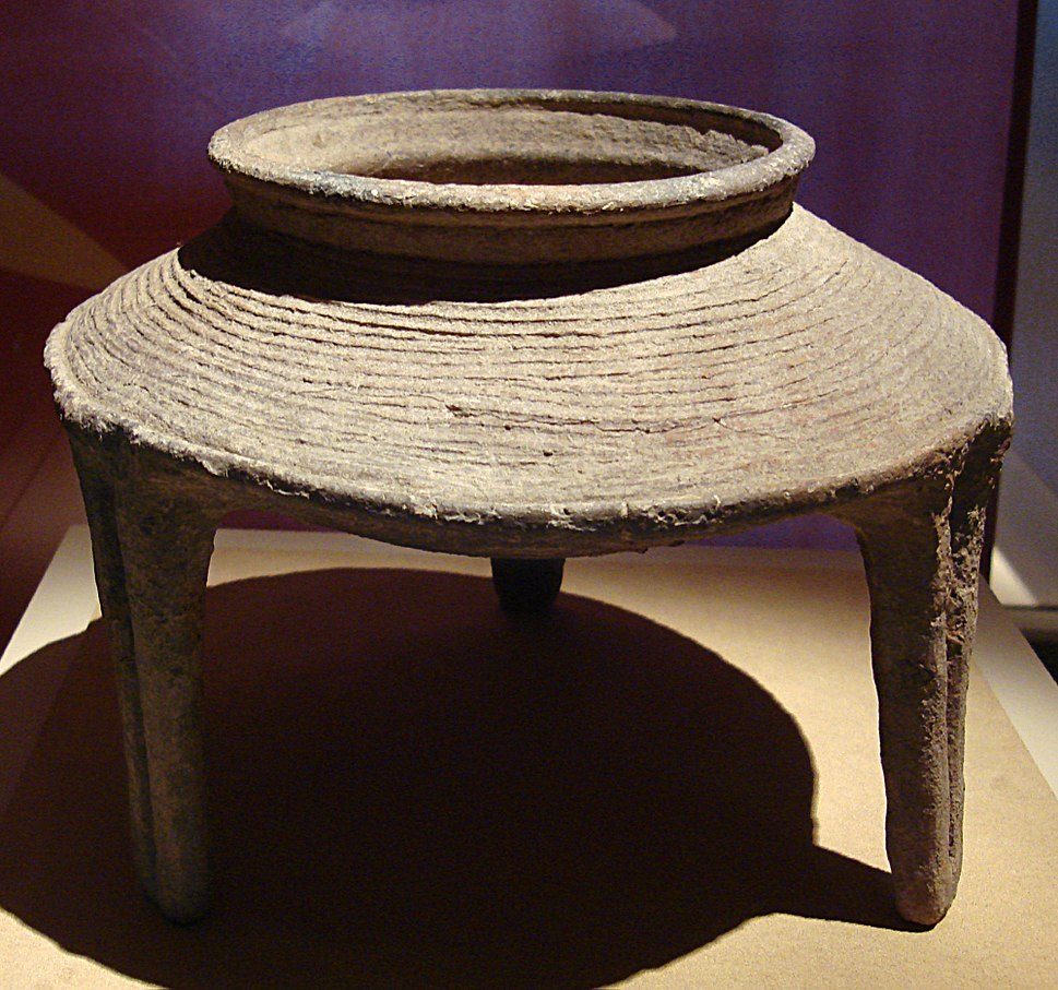 CMOC Treasures of Ancient China exhibit - pottery ding