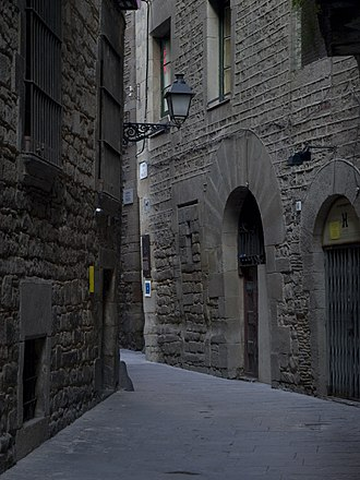 Ancient synagogue (Barcelona) - Carrer Marlet, in the old Jewish quarter of Barcelona. The Sinagoga Major is on the left.