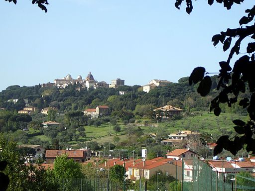 Castel Gandolfo - panorama da Albano laziale
